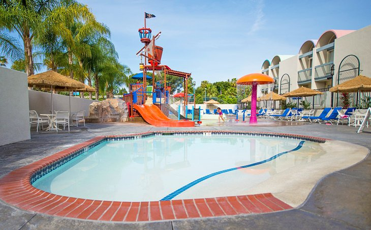 Photo Source: Howard Johnson by Wyndham Anaheim Hotel and Water Playground