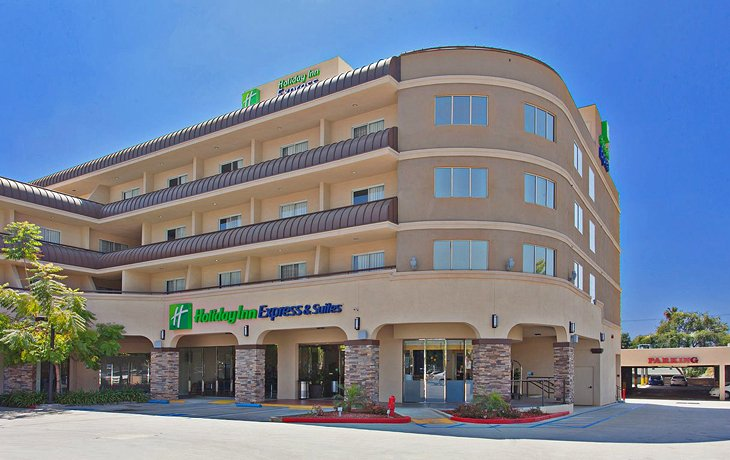 Photo Source: Holiday Inn Express Hotel & Suites Pasadena Colorado Blvd.