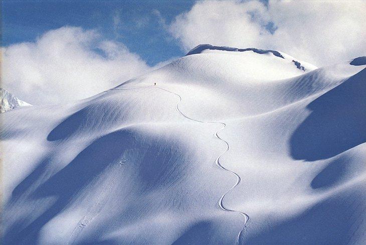 Pistas frescas en el monte.  Área de esquí de Baker, Washington