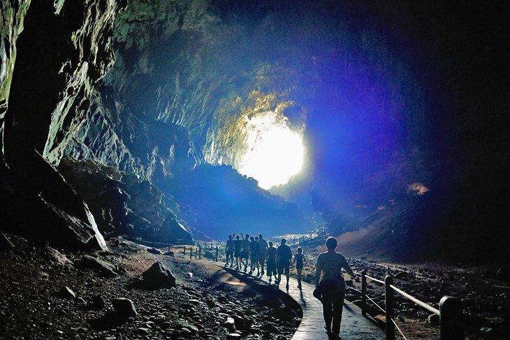 پارک ملی گونونگ مولو ساراواک مالزی