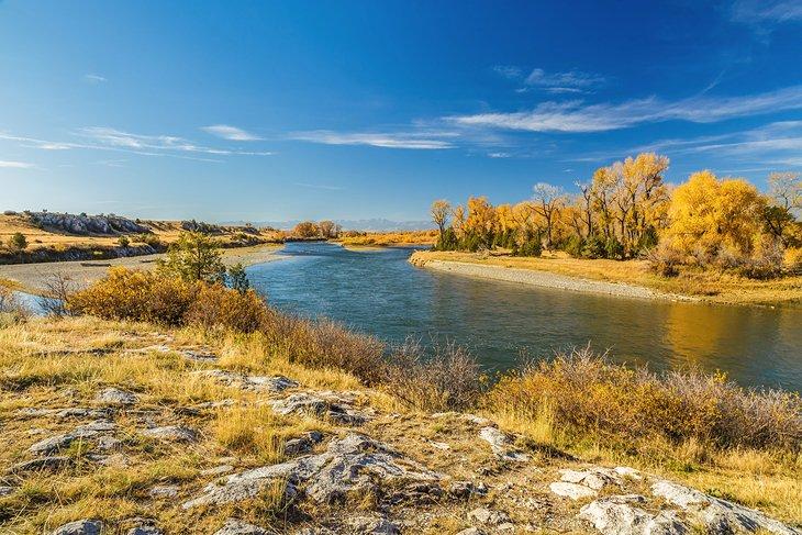El río Missouri en el Parque Estatal Missouri Headwaters