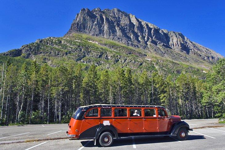 Tour en autobús rojo en el glaciar