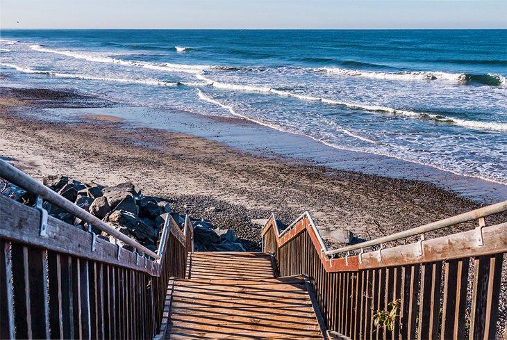 Escaleras a la playa estatal de South Carlsbad