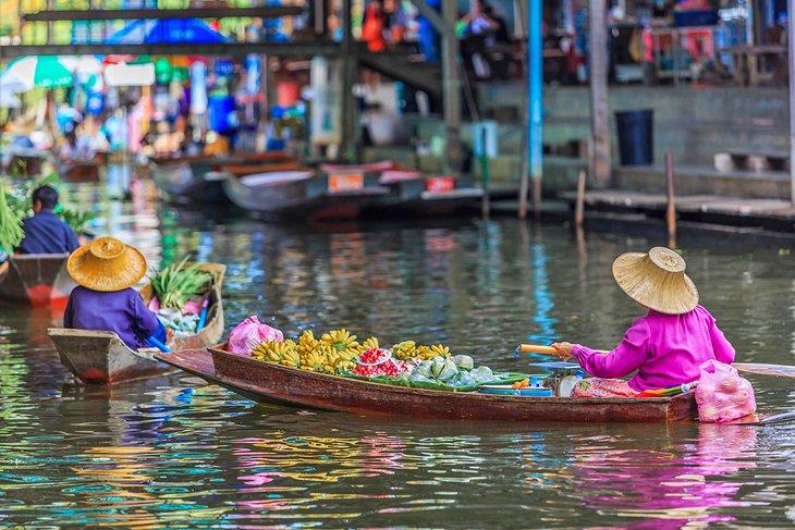 Плавучий рынок Дамноен Садуак