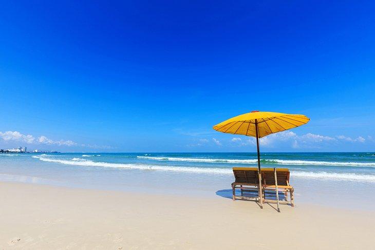 Прекрасный пляж в Хуахине