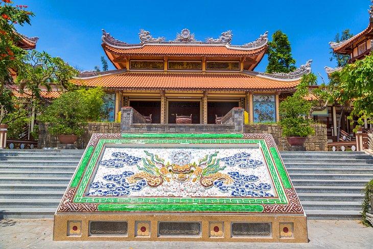 Pagoda Long Son