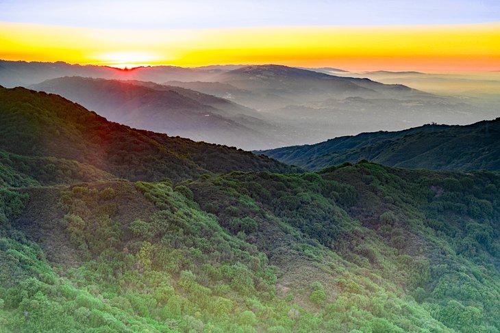 Puesta de sol desde la cumbre del monte Umunhum