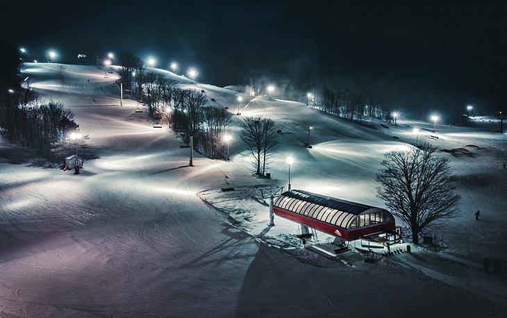 Esquí nocturno en Horseshoe Resort