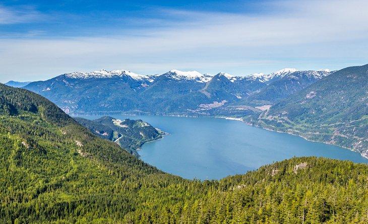 Vista de Howe Sound desde Al's Habrich Trail