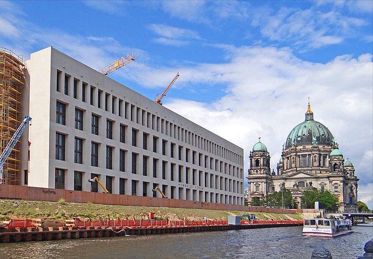 منتدى هومبولت بجزيرة المتاحف، برلين، ألمانيا