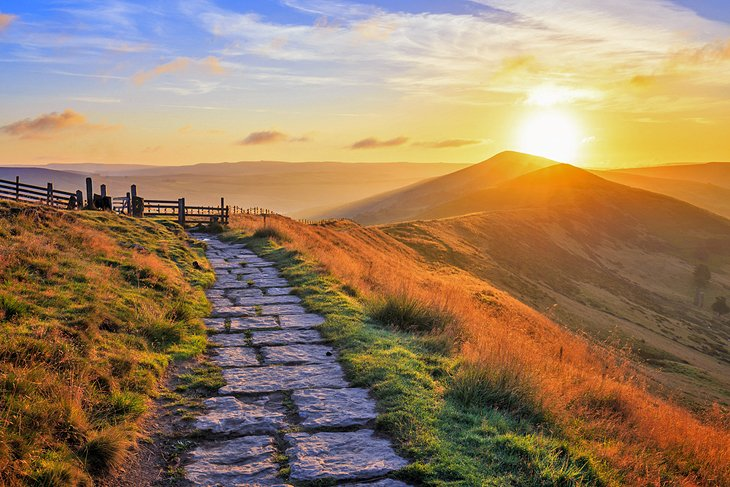 Sunrise over Mam Tor in the Peak District
