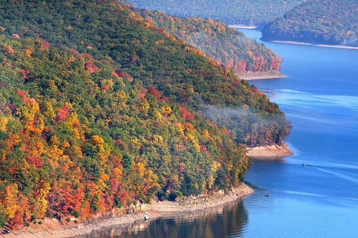 Colores de otoño en el lago Kinzau