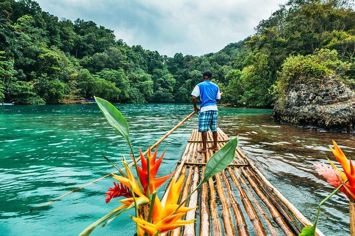 Поездка на плоту на Ямайку