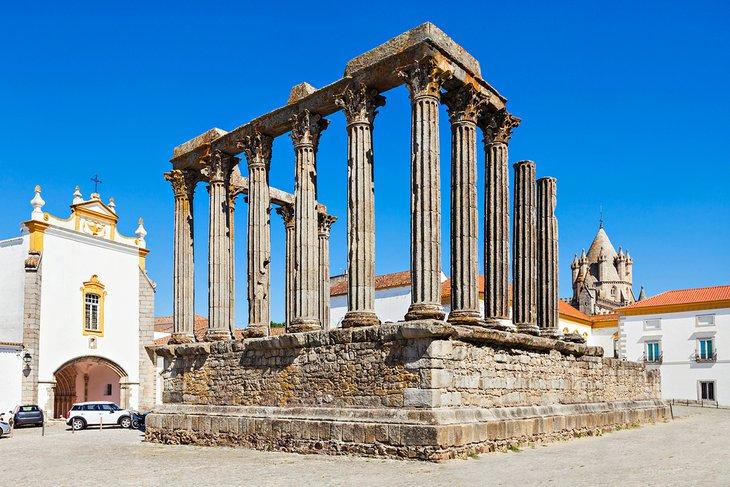 Templo Romano in Evora