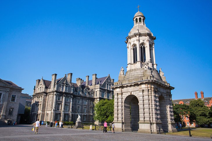 Dublin to Kells - 4 ways to travel via bus, taxi, car, and Uber
