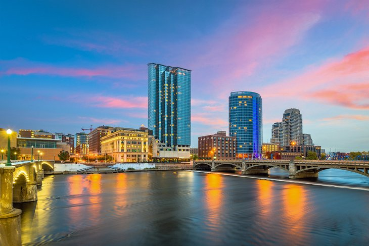 what to see in grand rapids
