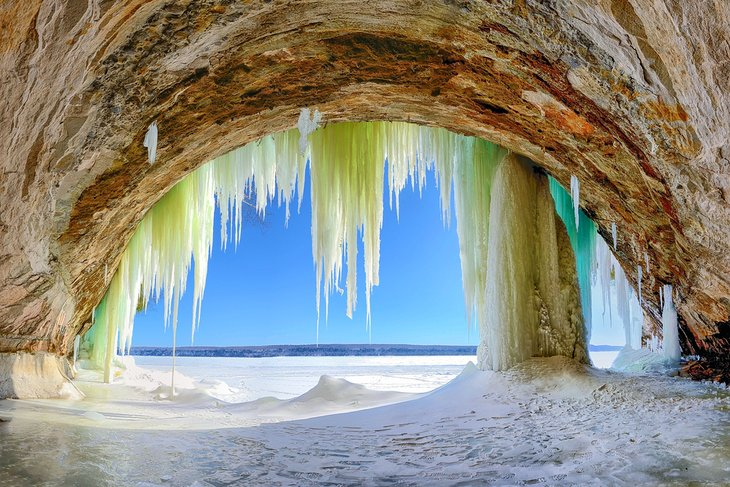 14 Best Places To Visit In Michigan Planetware