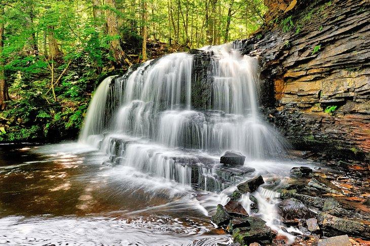 Rock River Falls en el área silvestre de Rick River