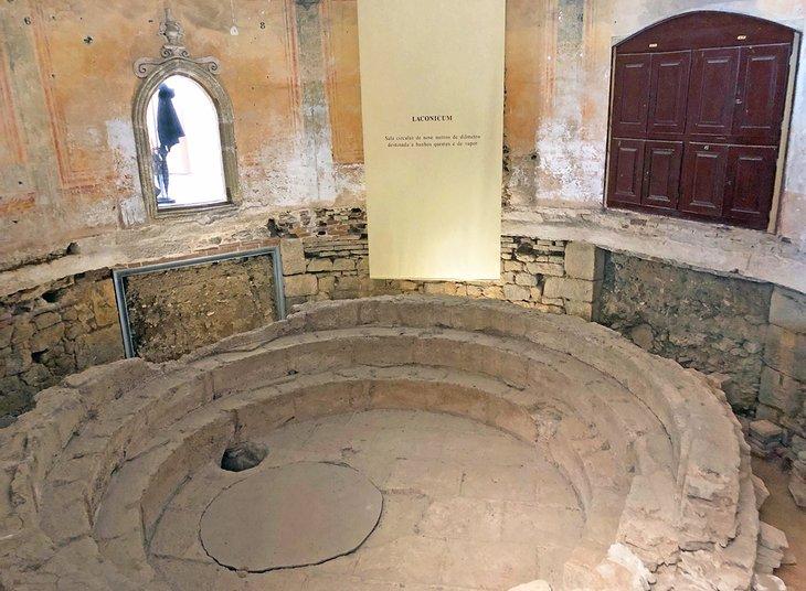 Roman bath ruins in Evora