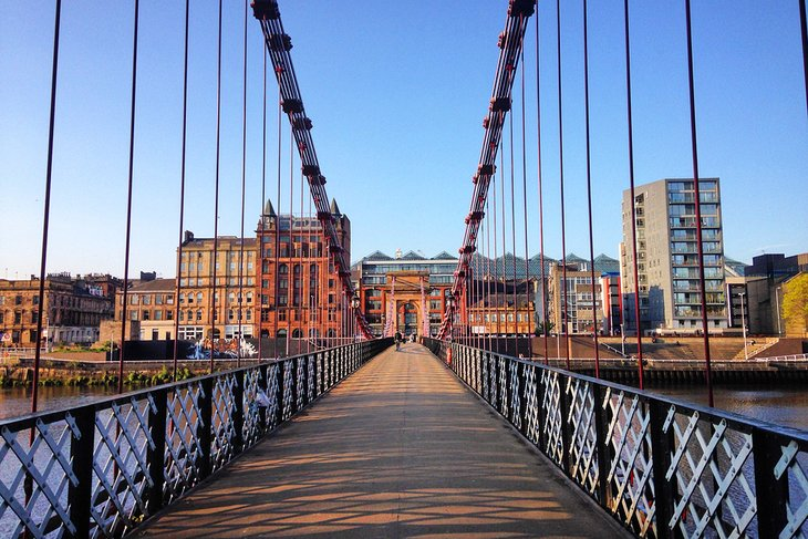 Bridge over the River Clyde in Glasgow