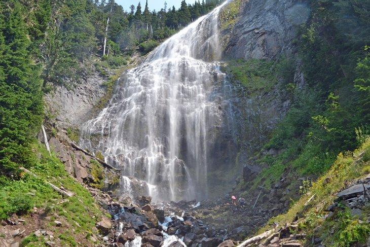 Spray Falls, debajo de Spray Park