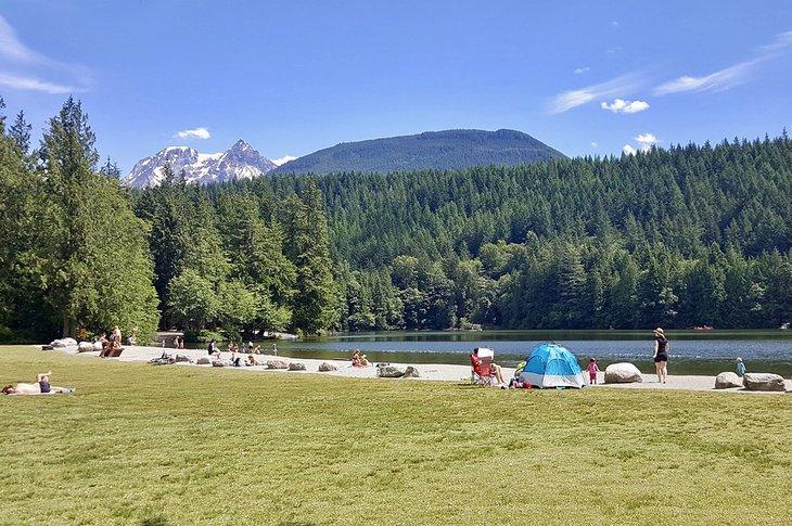 Campistas en Alice Lake