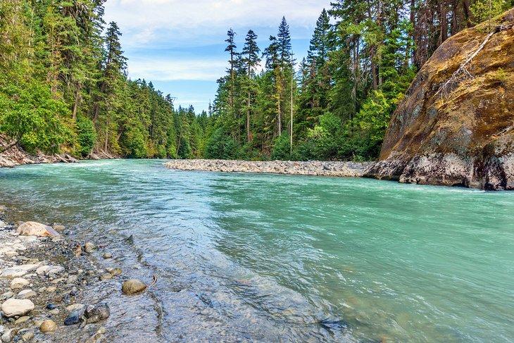 Río en Parque Nairn Falls