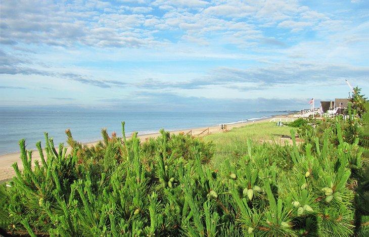 Vistas a la playa estatal de Misquamicut