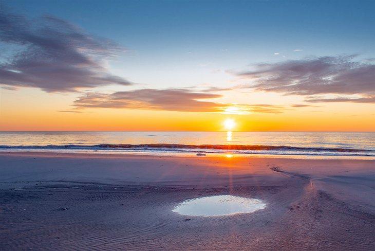 Amanecer sobre la playa de Brigantine