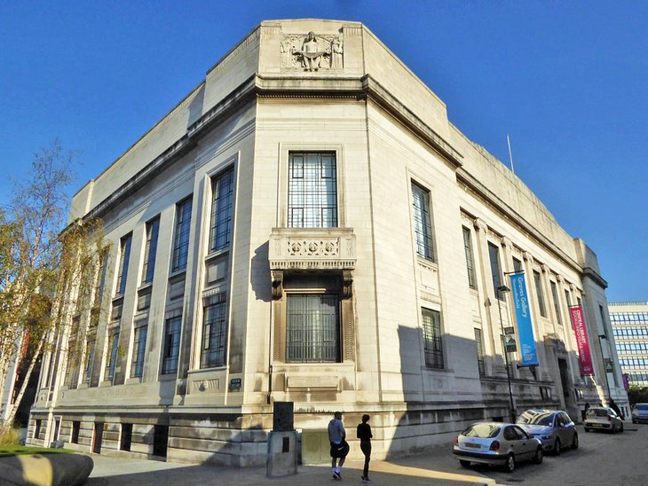 Sheffield Central Library and Graves Art Gallery