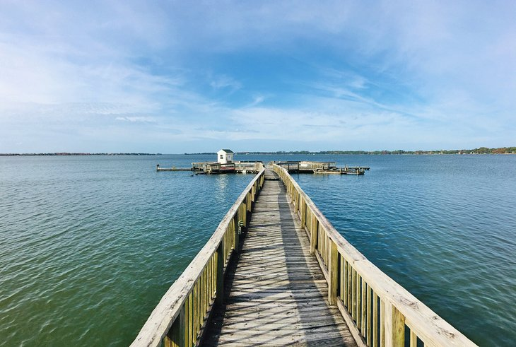 Muelle en el lago Dora