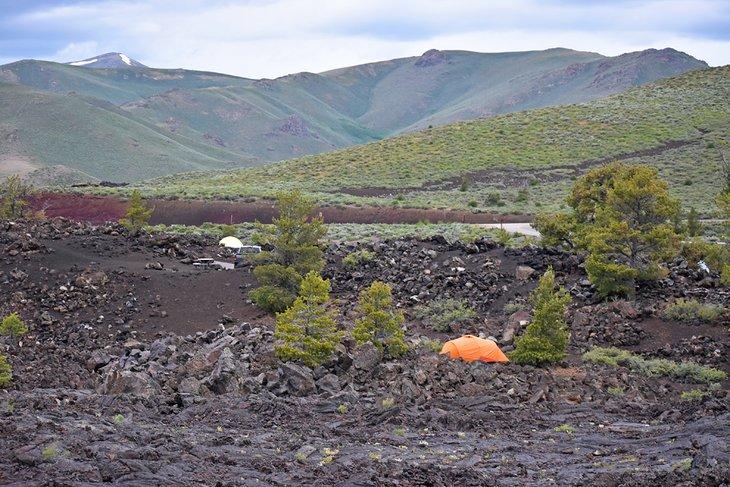 Campamento de flujo de lava