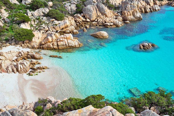 Cala Coticcio en la isla de Caprera, Islas Maddalena