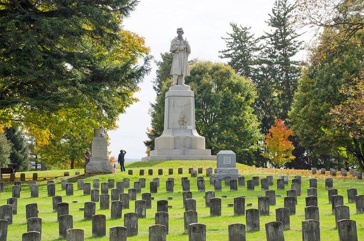 El cementerio nacional en el campo de batalla nacional de Antietam