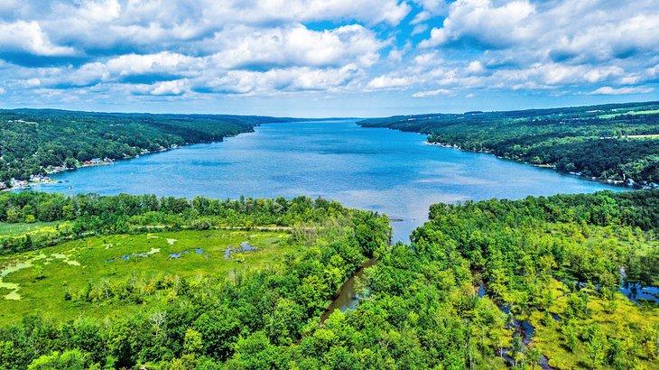 Owasco Lake en la región de Finger Lakes de Nueva York