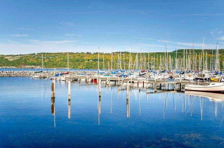 Marina en el lago Seneca
