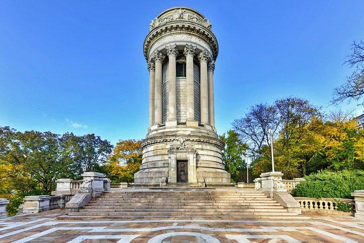 Monumento conmemorativo de los soldados y marineros en Riverside Park