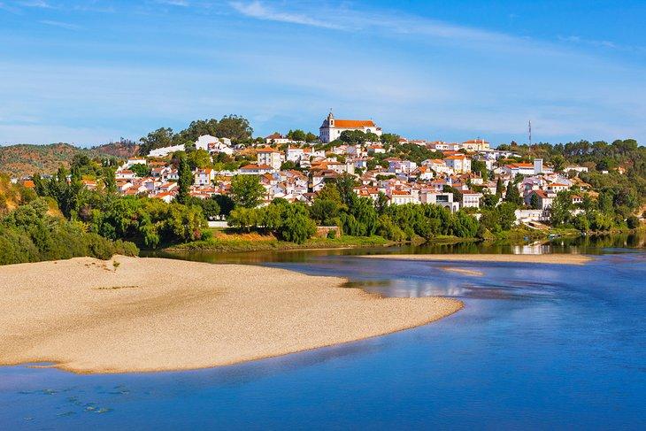 The village of Constancia