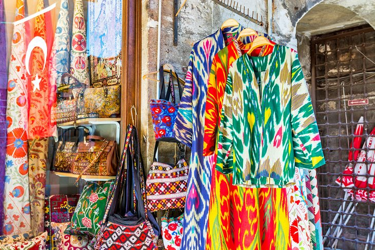 14 Best Places For Shopping In Istanbul Planetware