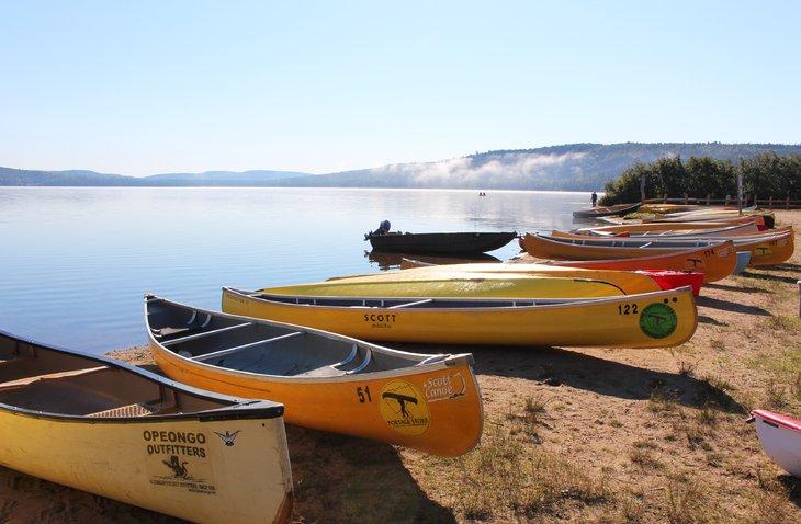 Playa en el campamento Lake of Two Rivers