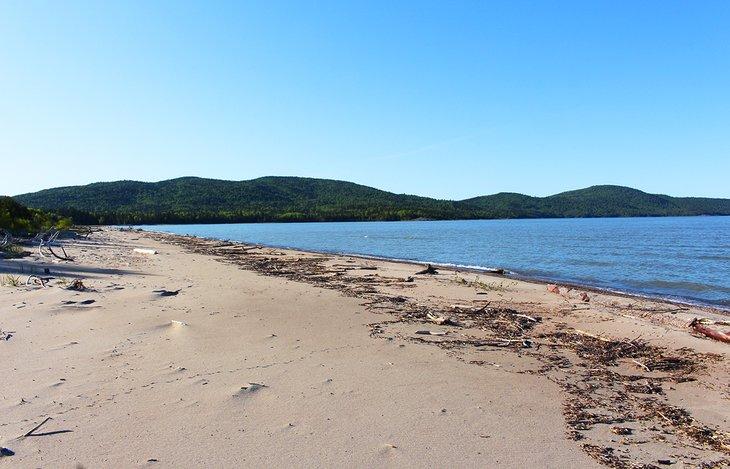Playa en Neys Provincial Park