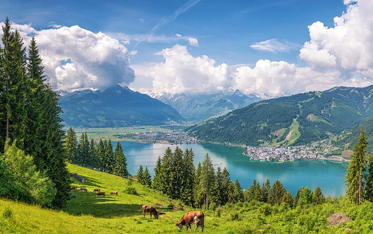 View over idyllic Zeller Lake and Zell am See