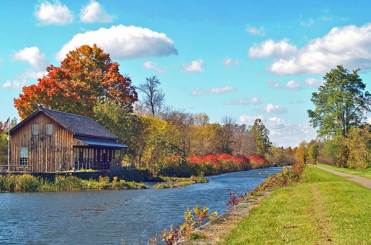 Fall colors along the Erie Canal in Schenectady