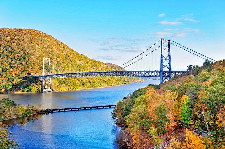 Valle del río Hudson con colores otoñales