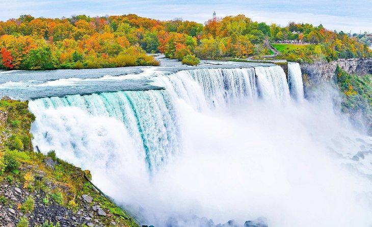 Cataratas del Niágara en otoño