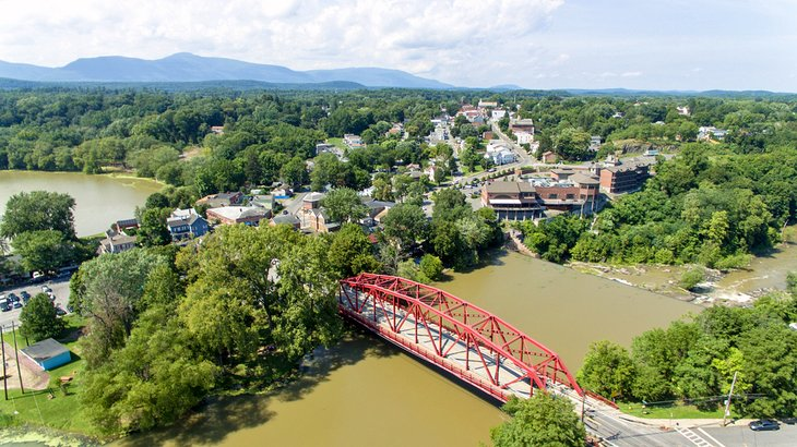 Aerial photo of Esopus Creek and the town of Saugerties