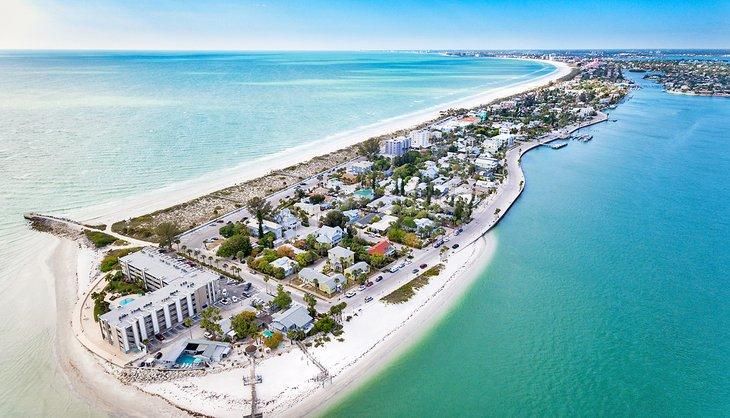 Vista aérea de la playa Pass-a-Grille