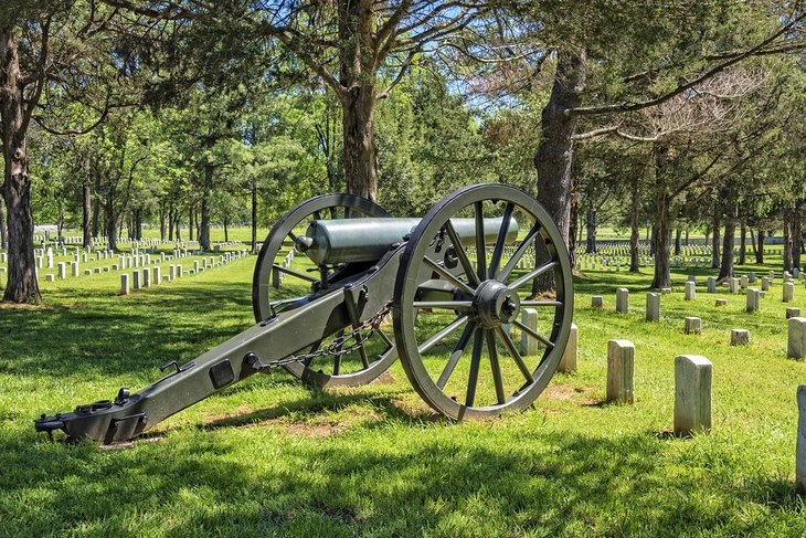 Cannon at the Stones River National Battlefield and Cemetery in Murfreesboro