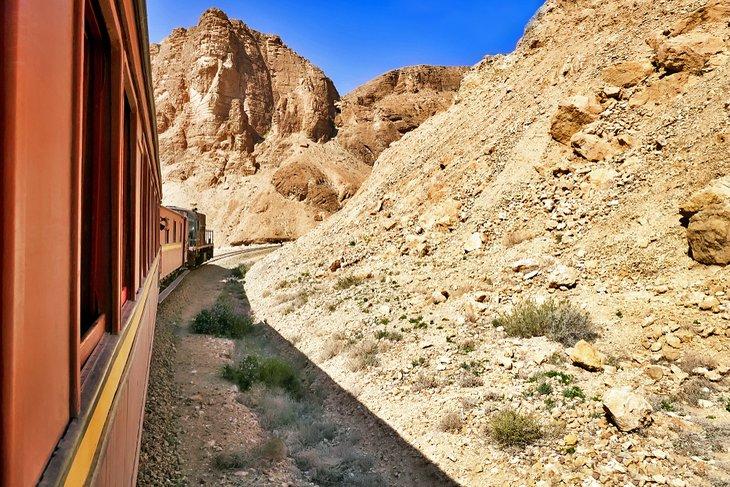 Tren Lezard Rouge en el desfiladero de Selja