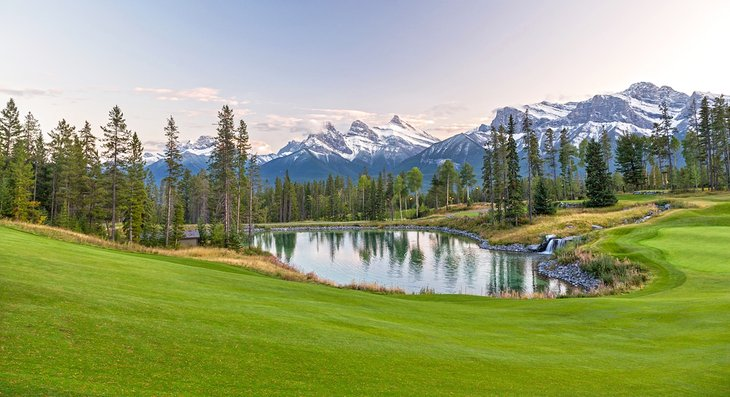 Silvertip Golf Course in Canmore